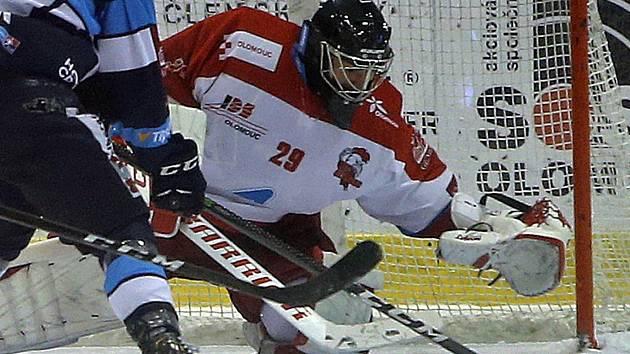 Olomoucký gólman Jan Lukáš