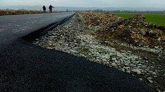 Silnice mezi Štarnovem a štěpánovskou místní částí Benátky má nový asfalt