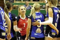 Nové libero Olomouce Adéla Stavinohová (v červeném)
