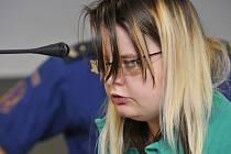 Žena obviněná z vraždy novorozence v Novém Malíně u krajského soudu v Olomouci.