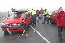 Hromadná srážka třiceti aut na dálnici Olomouc - Prostějov.
