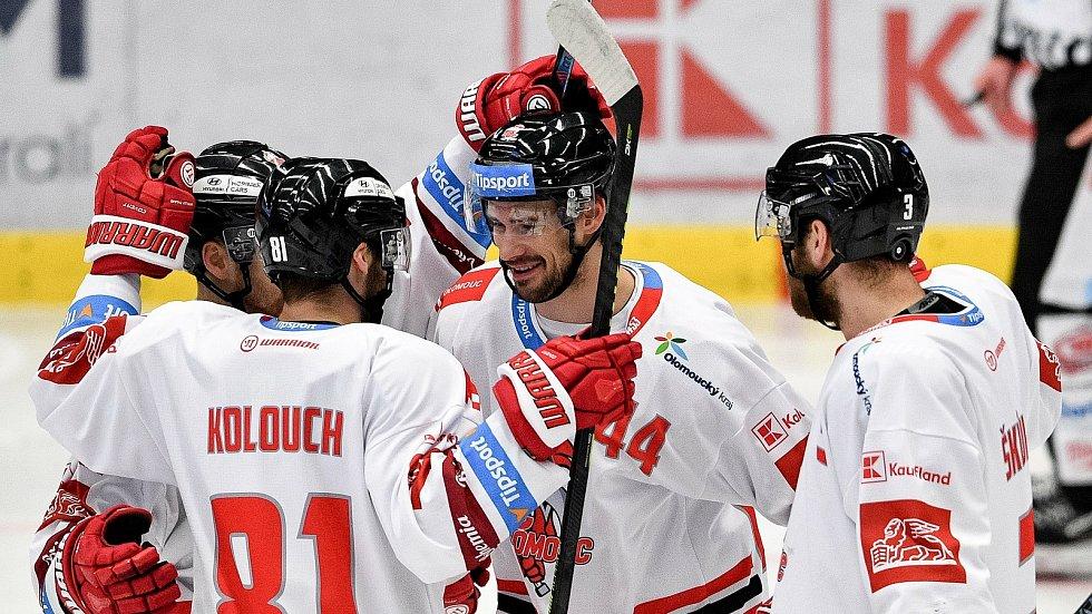 Utkání 38. kola hokejové extraligy: HC Vítkovice Ridera - HC Olomouc, 22. Ledna 2021 v Ostravě. (střed) David Ostřížek z Olomouce oslavuje gól.