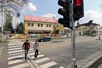 Tři přechody vybavené semafory se vrátily na rušnou Hodolanskou ulici