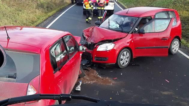 Dopravní nehoda se třemi zraněnými u Senice na Hané, 19. 11. 2019