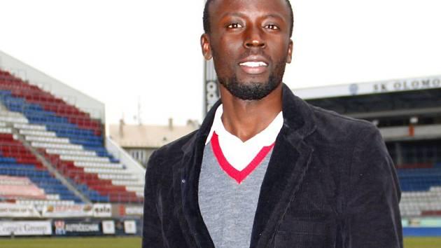 Senegalský fotbalista Abdoulaye Fall na Andrově stadionu v Olomouci