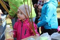 Pěkné počasí, regionální produkty a zvířata ze záchytné stanice lákali k návštěvě arboreta.