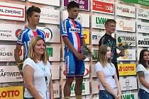 Pavel Bittner (uprostřed) na stupních vítězů po svém vítězství ve 4. etapě Trofeo Saarland vNěmecku.