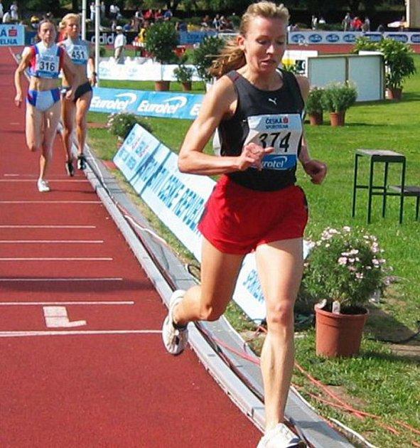 Kamínková v běhu na 10.000 m na dráze vybojovala první letošní přebornický titul