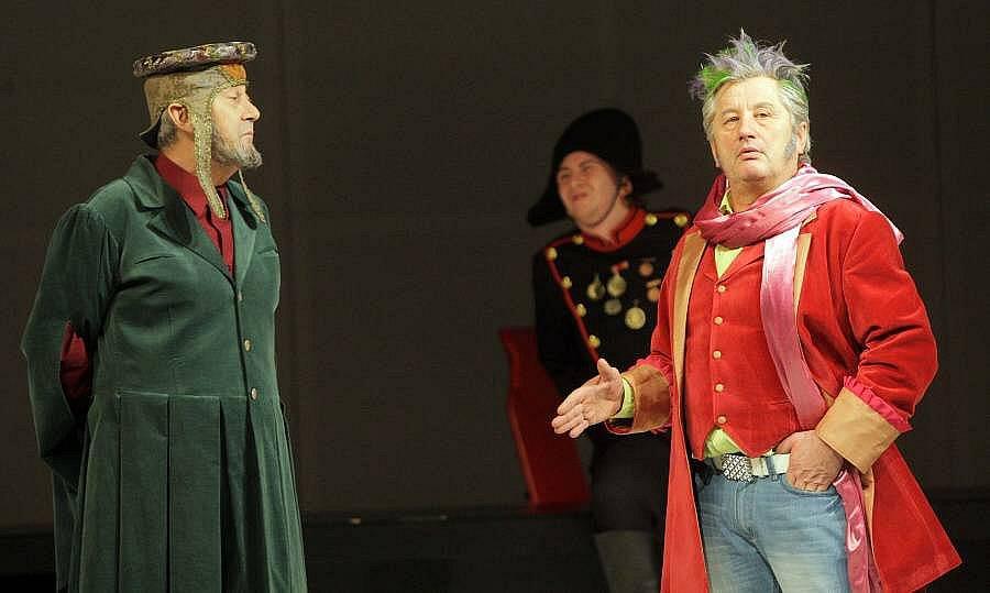 Shakespearova komedie Něco za něco v Moravském divadle