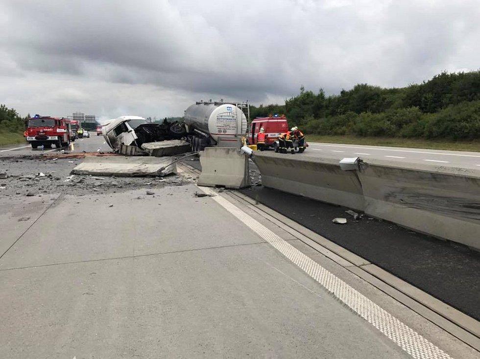 Nehoda na D1 zablokovala tah z Olomouce na Ostravu.