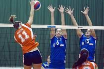 Olomoucké volejbalistky (v oranžovém) proti Frýdku-Místku