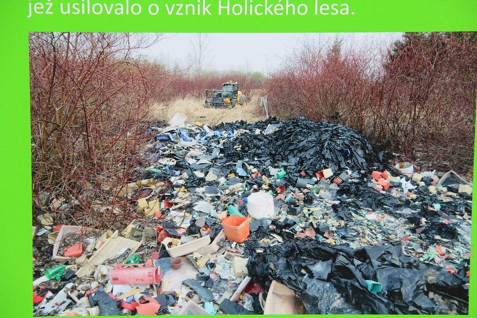 Ze zanedbaných pozemků bylo odvezeno přes 46 tun odpadu.