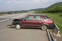 Nehoda felicie na R35 u Dolního Újezda
