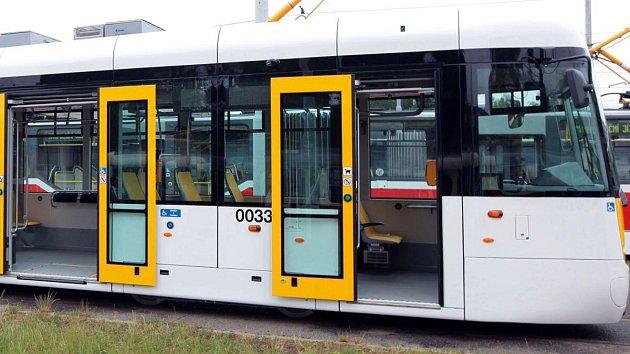 Tramvaj EVO 1 před testy v pražském dopravním podniku v roce 2015