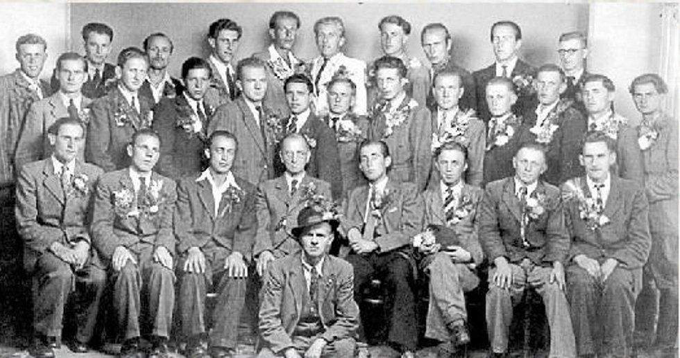 První daskabátští odvedenci po druhé světové válce v roce 1945.