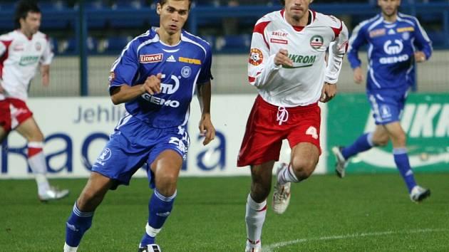 Martin Knakal (vlevo) může hrát na jakémkoli postu.