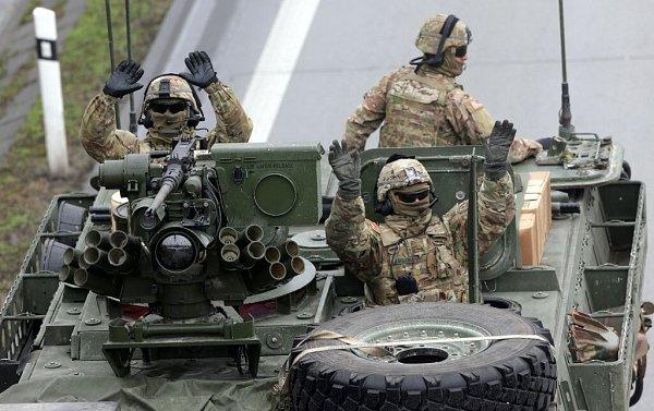 Konvoj americké armády na R35 uDolního Újezdu