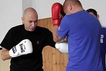 Daniel Landa na boxerském tréninku s fotbalisty Sigmy