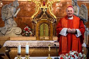 V den Sarkandrova výročí prosil arcibiskup Graubner za zastavení epidemie.