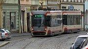Tramvaj v ulici 8. května v centru Olomouce