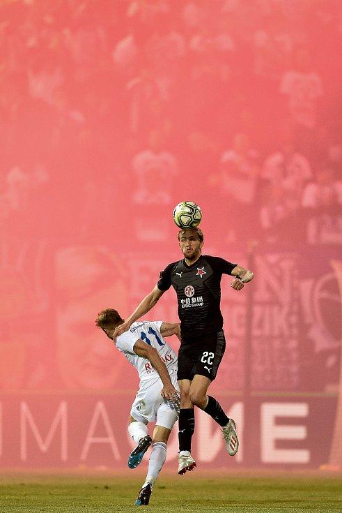 Finále fotbalového poháru MOL Cupu: FC Baník Ostrava - SK Slavia Praha, 22. května 2019 v Olomouci. Zleva Kuzmanovič Nemanja a Souček Tomáš.