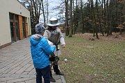 V ZOO na Svatém Kopečku u Olomouce o Velikonocích čekaly děti výtvarné dílny, poznávání světových velikonočních tradic i komentované krmení zvířat.