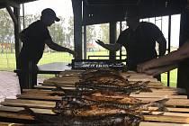 Makrela na klacku - fenomén z Hané vychutnávaný desítky let. (Blatec, 6. června 2020)