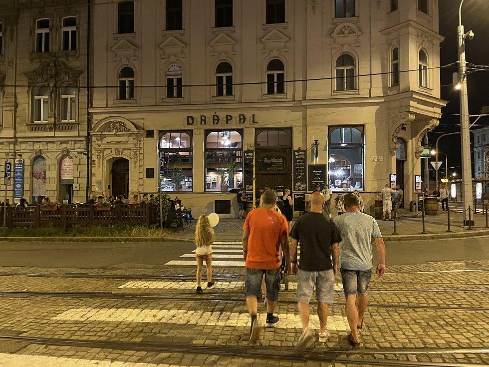 Noční život v centru Olomouce se vrací do normálu, tř. Svobody, 18. června 2021
