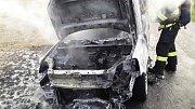 Požár auta u Medlova