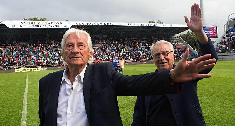 Karel Brückner a Petr Uličný na Zápase století v září 2019 na Andrově stadionu v Olomouci