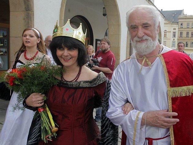 Královna majálesu 2011 Ivana Plíhalová a král roku 2010 Jindřich Štreit