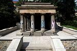 Jihoslovanské mauzoleum v olomouckých Bezručových sadech