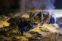 Požár luxusního porsche na D46 u Olomouce