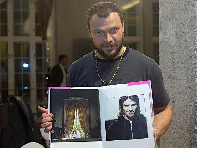 Tomáš Ujfaluši. Křest knihy fotografa Ondřeje Pýchy v Olomouci