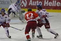 Hokejisté Olomouce bojují ce čtvrtfinále na ledě Ostravy.