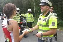 Policisté kontrolovali motorkáře na Ecce Homo ve Šternberku.