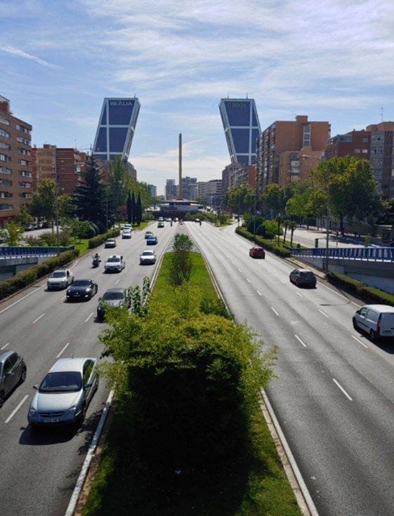 Puerta De Europa, věže KIO (Madrid)