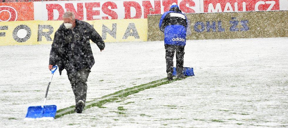 Olomouc remizovala doma se Slováckem v dohrávce 23. kola 0:0.uklízecí četa