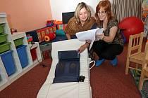 Nové masážní lehátko pro Středisko rané péče v Olomouci