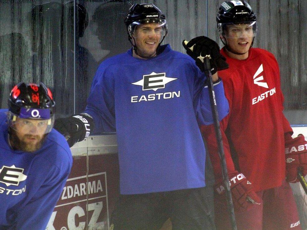 David Krejčí (uprostřed) na tréninku HC Olomouc