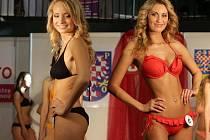 Volba Miss Haná 2015 na olomouckém výstavišti. Vpravo 1. vicemiss Kristýna Štolpová z Přerova.