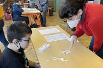 Testování školáků na covid. 12. dubna 2021. Ilustrační foto