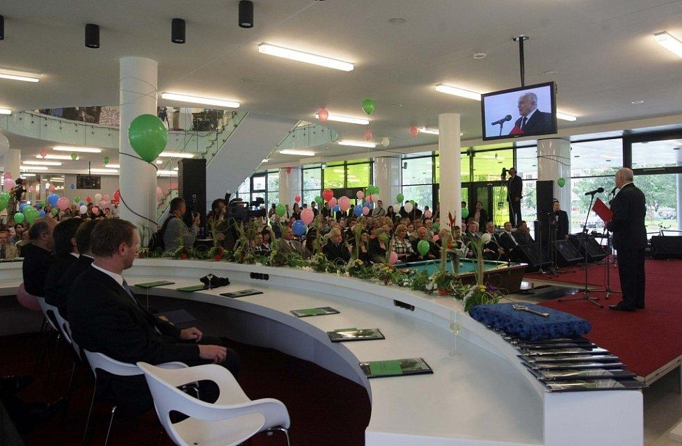 Slavnostní otevření budovy Přírodovědecké fakulty UP.