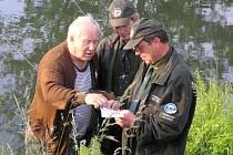 Rybářská stráž už nebude revíry kontrolovat v civilním oděvu.
