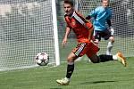 Fotbalisté Sigmy (v oranžovém) prohráli s MFK Skalica 0:2. Jan Navrátil