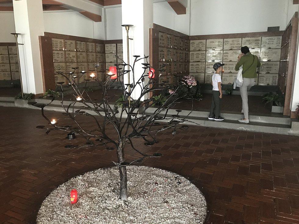 Husův sbor, kde je možné si prohlédnout kolumbárium. 12. září 2020