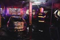 Požár autoservisu v Holické ulici v Olomouci, 24. října 2021