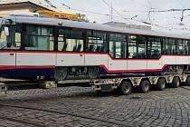 Modernizovaná tramvaj T3 na model Vario olomouckého dopravního podniku