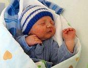 Petr Březina, Litovel, narozen 1. dubna, míra 51 cm, váha 3250 g