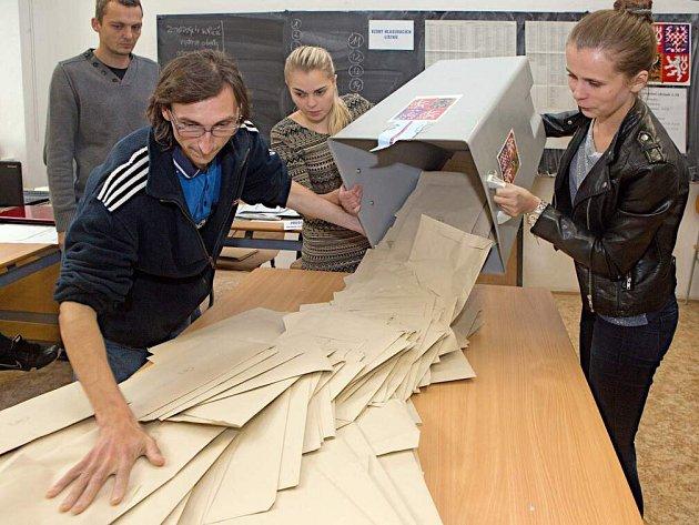 Sčítání hlasů na Slovanském gymnáziu vOlomouci